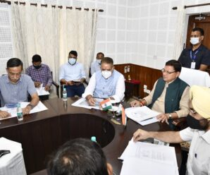 Under the chairmanship of Chief Minister Pushkar Singh Dhami, a meeting of the high level committee regarding Sainik Dham was organized at the camp office at the Chief Minister's residence.